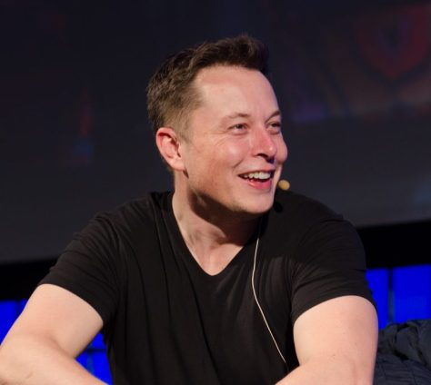 Elon-Musk-el-cofundador-de-tesla-hyperloop-y-spaceX-empresa-creadora-del-falcon-heavy-entre-otros-768x687.jpg